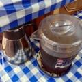 [沖縄][那覇][沖縄そば]クーラーの効いた店内でゴクゴクするお茶がたまりませんでした