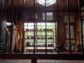 [沖縄][糸満][沖縄そば][定食・食堂][カフェ・喫茶店]年代物のガラスや数々の骨董品を横目にいただく沖縄料理