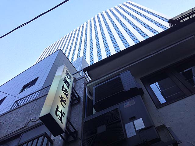 東銀座・歌舞伎座タワー真裏の老舗「歌舞伎そば」