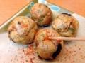 [大阪][玉出][たこ焼き]煮込みに振りかける要領で唐菓子をパラパラと