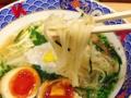 [銀座][有楽町][日比谷][ラーメン]全粒粉を使用した自家製の中太麺