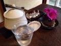 [西日暮里][谷中][パン][コーヒー][カフェ・喫茶店]角砂糖、チョコレートに花、シンプルながらも漂うこだわり