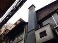 [新宿][ラーメン][つけ麺][焼きそば]この手の細い道には、青空よりも曇り空が合う気がする
