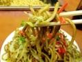 [新宿][ラーメン][つけ麺][焼きそば]少量のキャベツにもやしに青海苔パラパラ、てっぺんに紅生姜