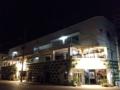 [沖縄][石垣島][沖縄そば][おでん][居酒屋]まばゆい光を放つビル