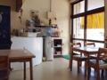 [沖縄][石垣島][沖縄そば][カレー][定食・食堂]入って左手に4名掛けを中心とするテーブル席が4卓ほど