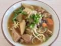 [沖縄][石垣島][沖縄そば][カレー][定食・食堂]どこから食べても牛肉を噛み締められる「新垣食堂」の牛そば