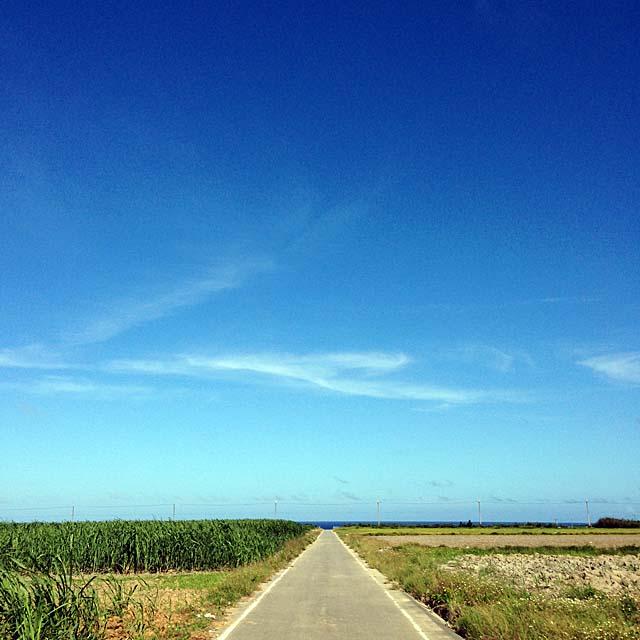 圧倒的に雄大な沖縄・波照間島の青空
