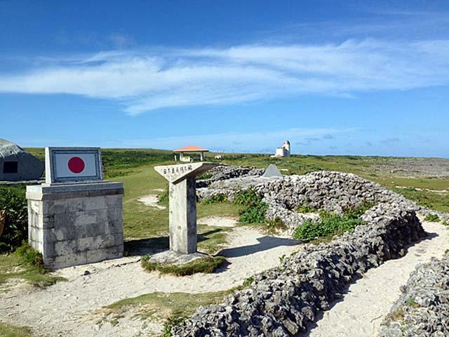 日本全国の石でできた「蛇の道」@沖縄・波照間島