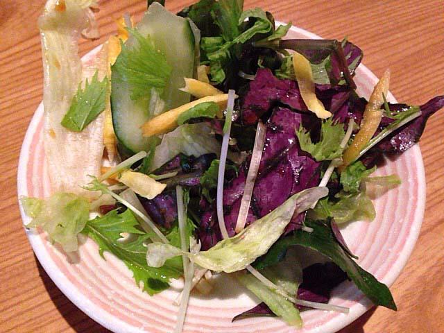 サッパリとした味付けの生野菜サラダ@沖縄県那覇市「さかえ」