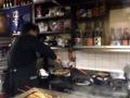 [沖縄][那覇][郷土料理][肉][おでん][居酒屋]表面を叩くとコンコン音が鳴り響く焼きてびち