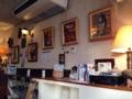[沖縄][宜野湾][郷土料理][中南米料理][タコス]店内の随所に置かれた三線などは創業者のコレクション