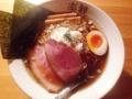 [西麻布][六本木][ラーメン][丼もの]西麻布「楽観 NISHIAZABU GOLD」の特製琥珀(醤油ラーメン)
