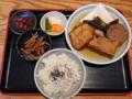 [麻布十番][おでん][定食・食堂]麻布十番の老舗「福島屋」のおでん定食