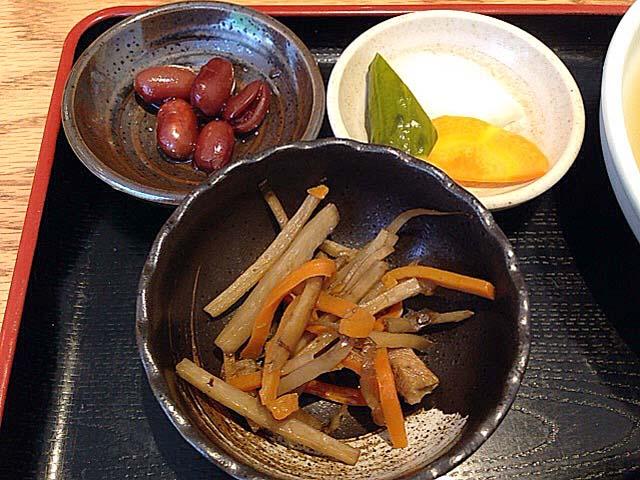 麻布十番の老舗「福島屋」おでん定食の小鉢類
