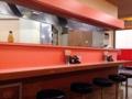 [鶯谷][入谷][ラーメン][餃子][チャーハン][中華][定食・食堂]カウンター7席、2名&4名掛けテーブルが1卓と3卓@鶯谷「大弘軒」