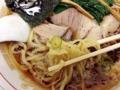 [秋葉原][ラーメン]プリプリ食感の自家製中太麺に生姜がきいた濃い目の醤油スープ