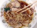 [秋葉原][ラーメン]従来よりもスープに豚のアブラが溶け生姜風味がまろやかに