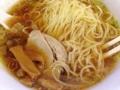 [浅草][ラーメン][餃子][丼もの]アツアツ中華スープをしかと受け止め