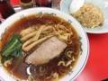 [神保町][ラーメン][チャーハン][餃子][中華]神保町の老舗中華料理屋「成光」の半チャンラーメン