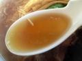 [神保町][ラーメン][チャーハン][餃子][中華]鶏ガラ、豚肉などで取った芳醇さと丸みを帯びた醤油スープ