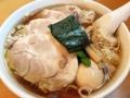 [神保町][ラーメン][チャーハン][餃子][中華]チャーシュー4枚、ワンタン5個、味玉付きでラスボススタイル