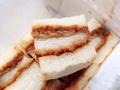 [秋葉原][淡路町][岩本町][神田][とんかつ][パン][サンドイッチ][菓子][漫画][孤独のグルメ]程良くパンに染み込むソース、手が汚れる心配も少なそう