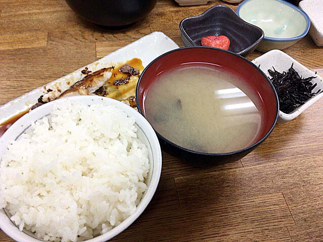 渋谷の老舗鮮魚店直営「魚力」の冬季限定メニュー・ブリ照焼定食