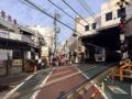 [下高井戸][菓子][たいやき]京王線・下高井戸駅西口出たところの踏切