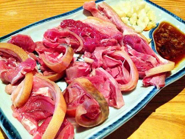沖縄県那覇市の山羊料理屋「さかえ」の山羊さしみ