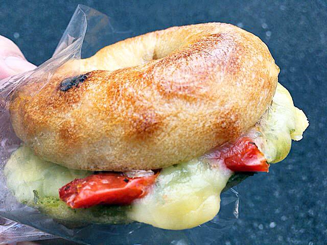ドライトマトチーズベーグル@上北沢「kepo bagels(ケポベーグルズ)