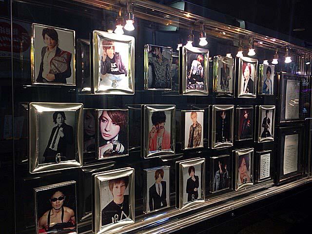 新宿歌舞伎町の某ホストクラブのパネル写真