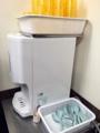 [新宿][ラーメン][ラーメン二郎]冷水機とレンゲ@「ラーメン二郎 新宿歌舞伎町店」