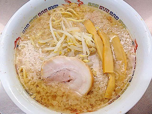 背脂チャッチャ系のルーツ、千駄ヶ谷「ホープ軒」の東京豚骨醤油ラーメン