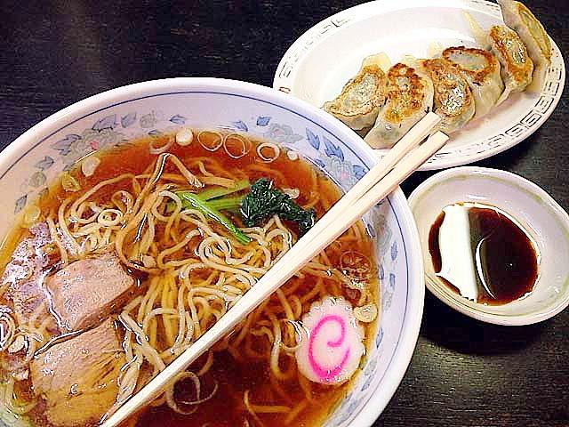 谷中の老舗中華料理屋「一力」のラーメン&焼き餃子