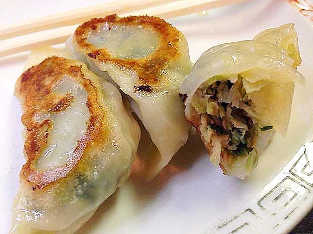 谷中の老舗中華料理屋「一力」の餃子