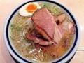 [千駄木][西日暮里][ラーメン][丼もの][菓子]醤油よりも色素薄めなスープの塩ラーメン