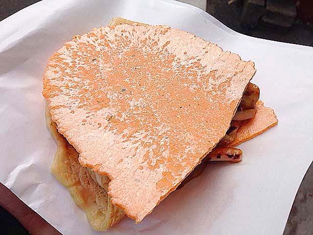 谷中銀座「いか焼 やきや」の人気No.1商品チーズいかせん