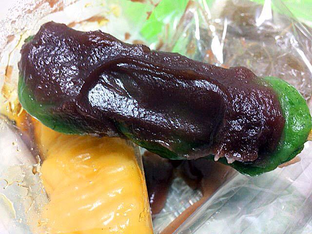 北海道産特上小豆餡とヨモギのカホリが絶妙な「荻野」の草だんご