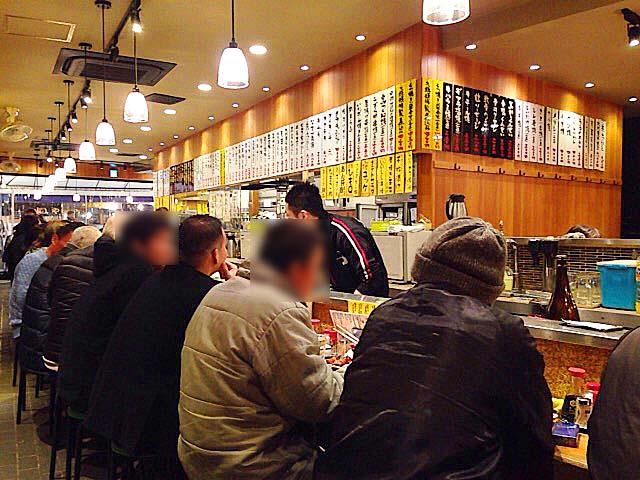 旅館跡地に移転した130もの席数を誇る上野「大統領 支店」