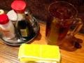 [上野][御徒町][肉][もつ焼き][居酒屋]上野の大人気老舗大衆酒場「大統領」の烏龍茶と卓上調味料
