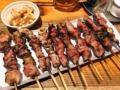 [上野][御徒町][肉][もつ焼き][居酒屋]上野の大人気老舗大衆酒場「大統領」のもつ焼き串とニンニク