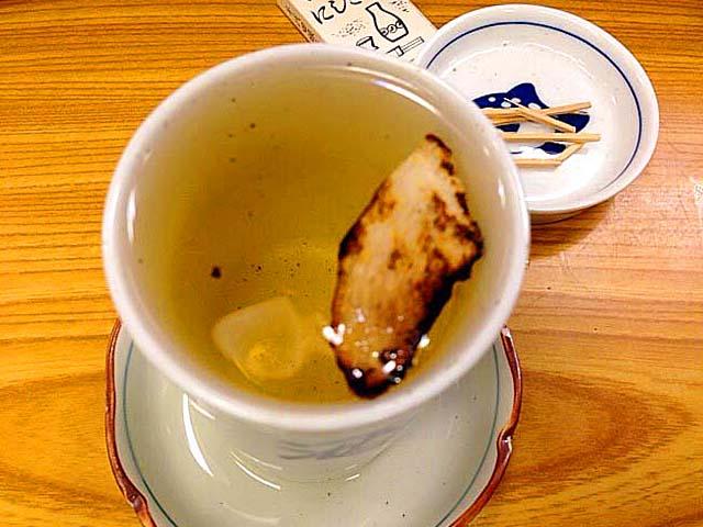 千駄木の老舗居酒屋「にしきや」のふぐひれ酒