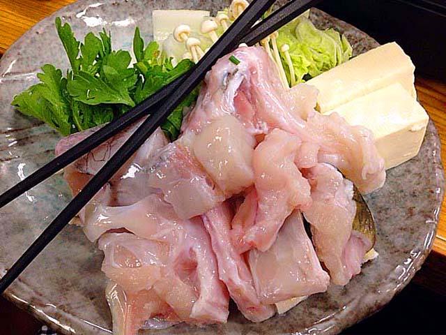 千駄木の老舗居酒屋「にしきや」のふぐちり鍋(1人前)