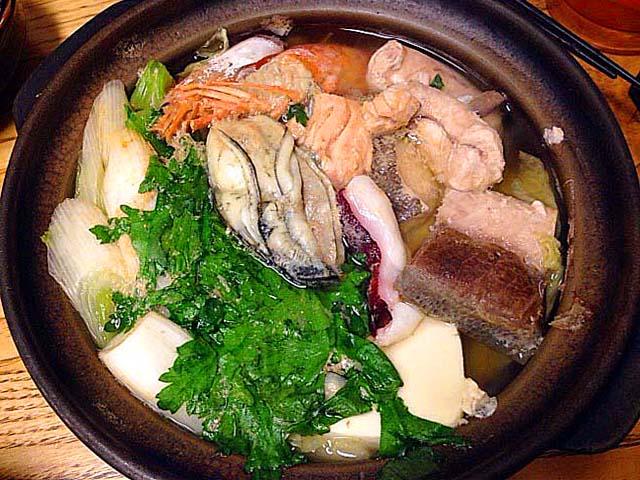 千駄木の老舗居酒屋「にしきや」の寄せ鍋(1人前)