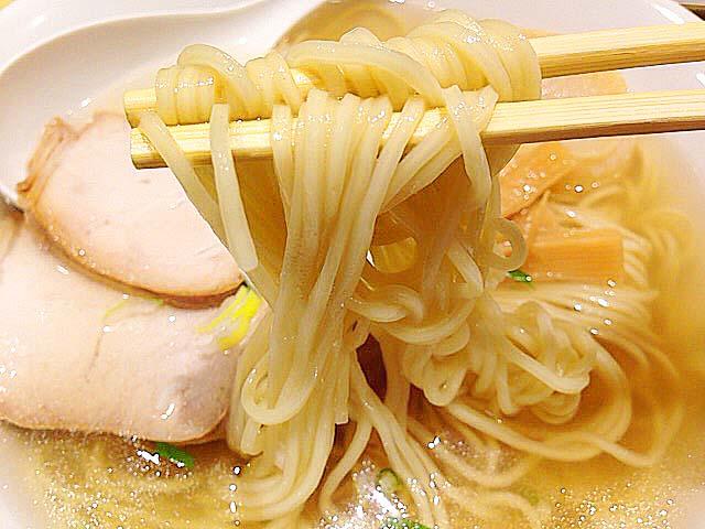 函館の老舗・出口製麺のストレート麺@荻窪「五稜郭」