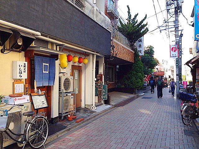 飲み歩いたら楽しそうな通り沿いにある西荻窪「支那そば いしはら」