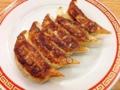 [亀戸][餃子]焼きたてで1皿250円!2皿でもワンコインな「亀戸餃子 本店」の焼き餃子
