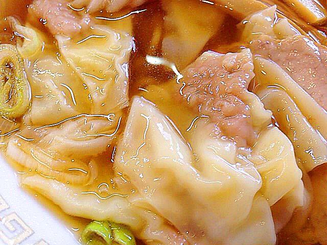 雲を呑み込むかのような快感が8回も楽しめる幸せ。神楽坂「五芳斉」のワンタン麺