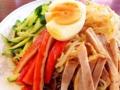 [神楽坂][早稲田][牛込柳町][ラーメン][チャーハン][中華][定食・食堂]チャーシュー、モヤシ、キュウリ、カニカマにゆで卵